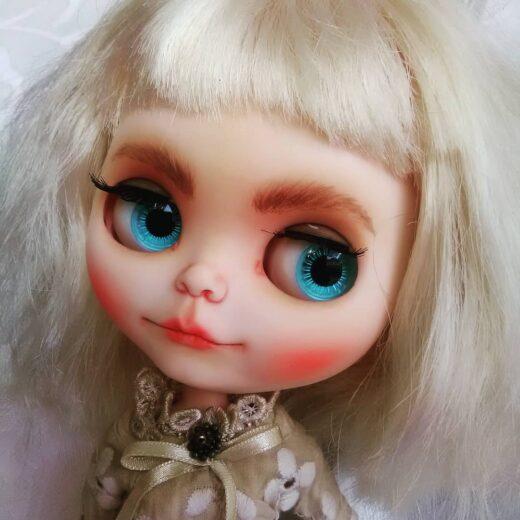 Custom Blythe Doll by Blythe in Wonderland
