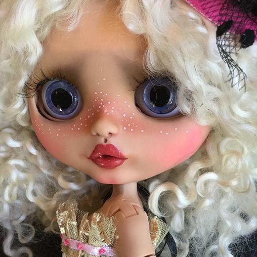 Bravura Dolly (UK)