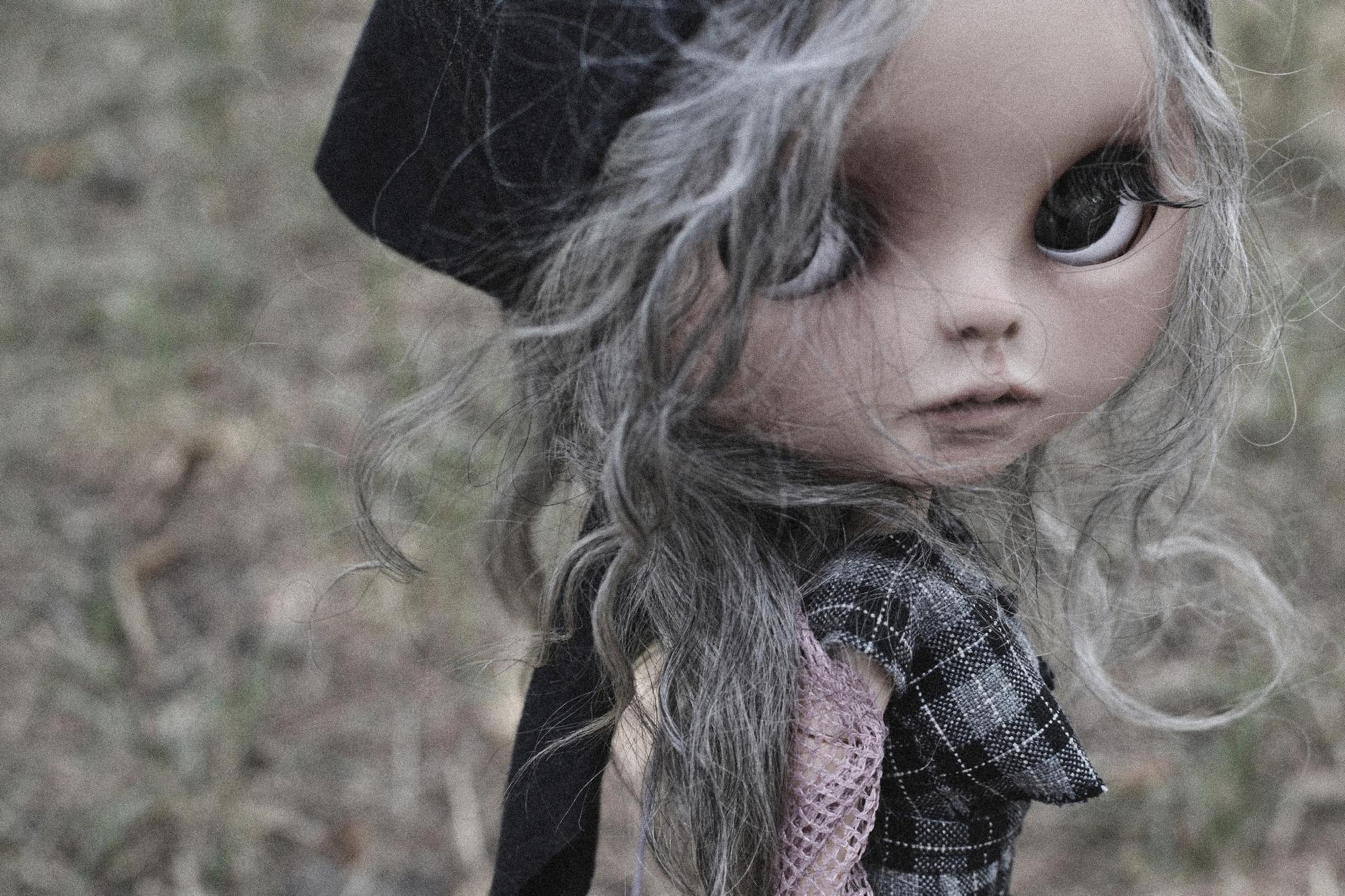 Zenobia, War Victim - Custom Blythe doll.