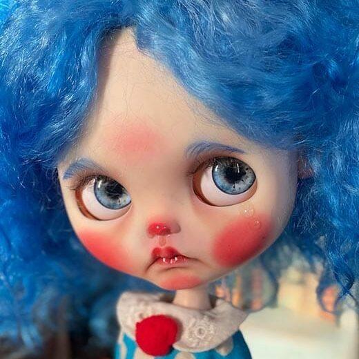 BlytheDollAlina is the brand name of Alina Zhurbinskaya, a Blythe doll customizer from Russia.