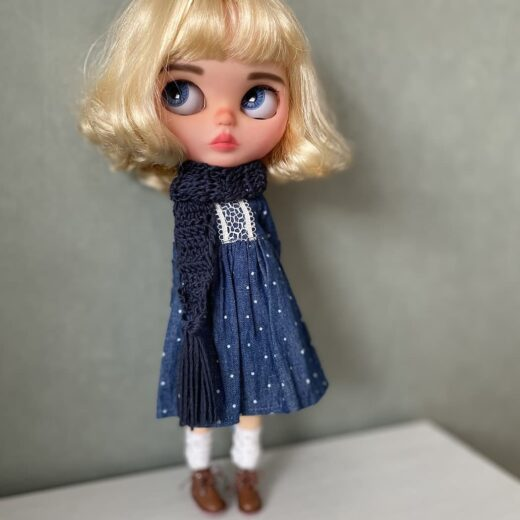 Miss Dolly Lolly is the brand name of Stevie Bode, a Blythe doll customizer from the Netherlands. Learn more about her on DollyCustom.