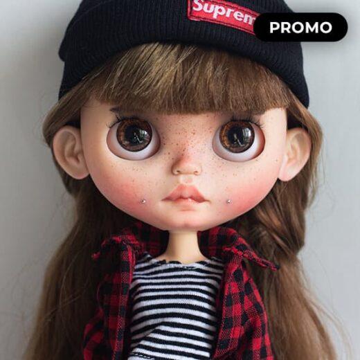 Custom Blythe Doll by AnnaBlytheDesigns