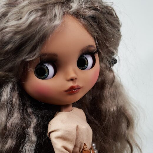 LarisaSalkinaShop is the brand name of Larisa Salkina, a Blythe doll customizer from Russia. Learn more about her on DollyCustom.