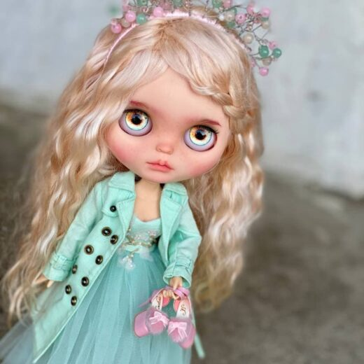 BlytheSS Shop is the brand name of Nataliia Davydenko, a Blythe doll customizer from Ukraine. Learn more about her on DollyCustom.
