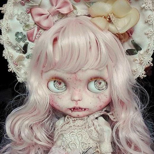 antique-shop-dolls-thumb